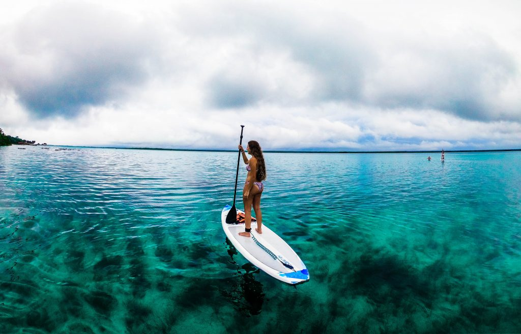 Going Barefoot while Stand Up Paddleboarding
